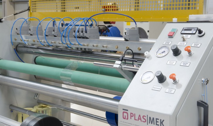 stroj na zpracování PVC folií